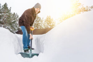 Shovel Snow and Prevent Back Pain This Winter Season